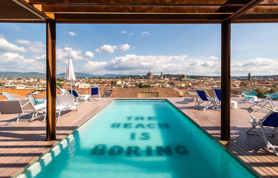 tsh_florence_rooftop_pool_mood_960x615