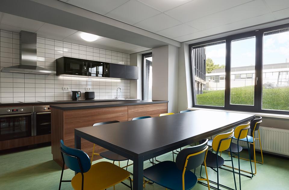 The student hotel amsterdam west modern design hotel for Design hotel eindhoven